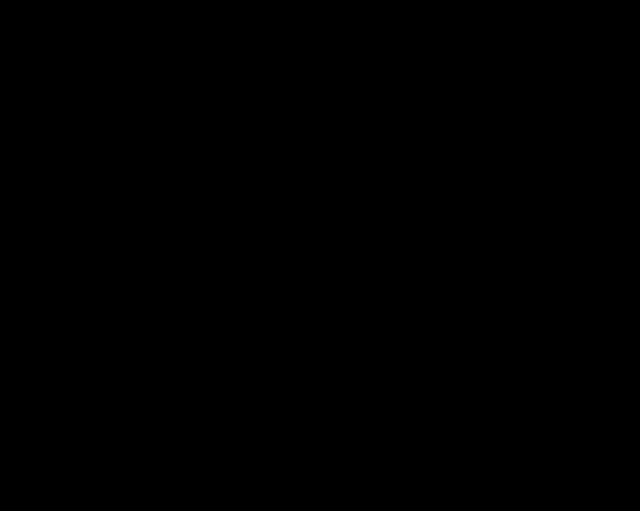 mráček cloudu zobrazený na černobílém počítači