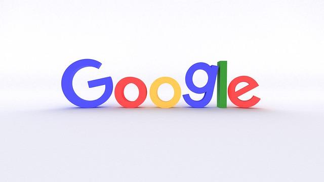 značka Google v bílém prostředí